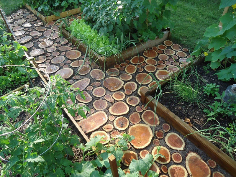 Do It Yourself Garden D Cor Blogs Avenue: round wooden stepping stones
