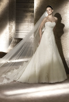 pear shape wedding dress