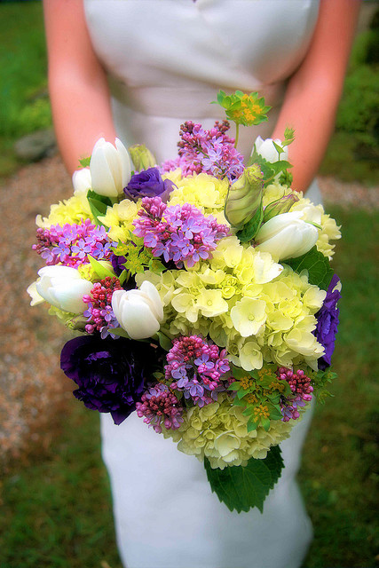 Ideas And Suggestions For A Wedding Bouquet With Flowers