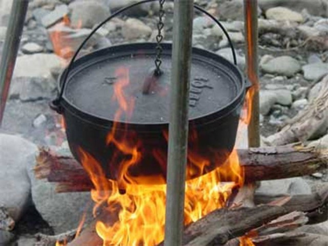 Oven cooking camp recipes blogs avenue for What to cook in a dutch oven camping