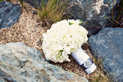 simply white wedding bouquet