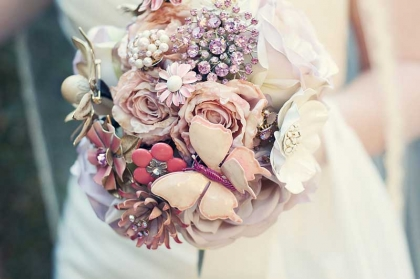 The Ritzy Rose - Brooch Bouquet