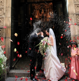 Wedding traditions and superstitions