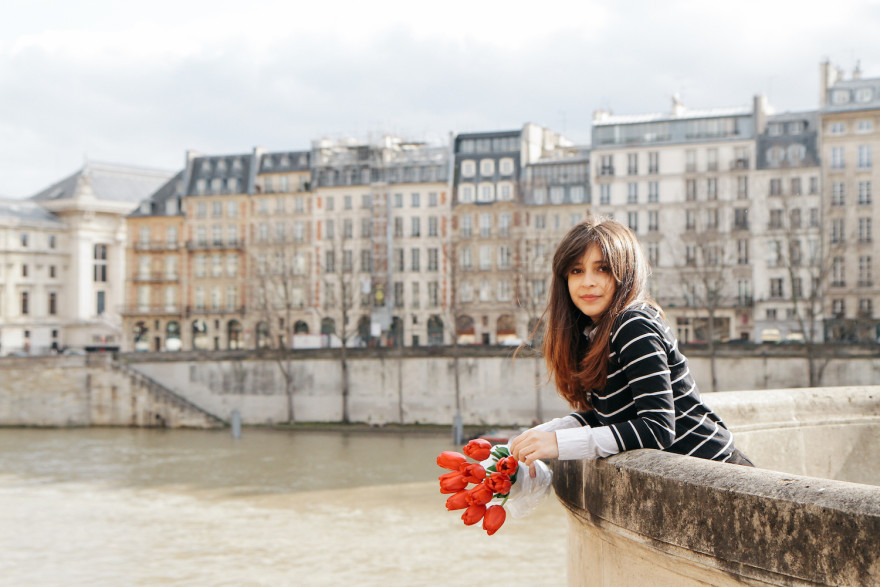 Pulling off how to dress like a chic Parisian